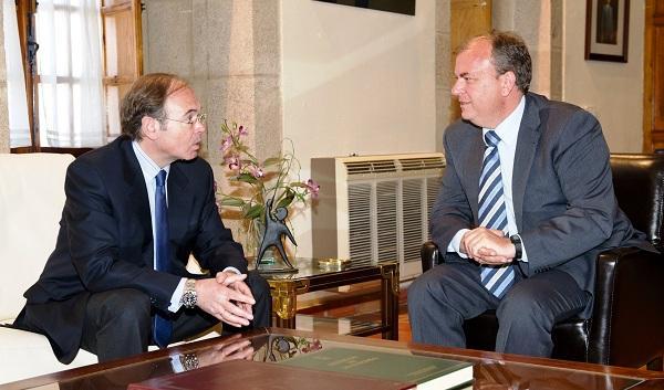 El presidente Monago recibe al presidente del Senado durante su visita institucional a Extremadura