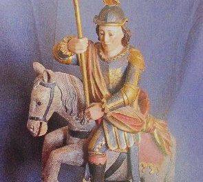 La escultura de San Jorge se expondrá en la puerta principal del ayuntamiento durante las fiestas del patrón