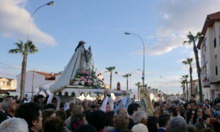 Moraleja inicia las fiestas en honor a la Virgen de la Vega con el traslado de la patrona de la ermita a la localidad
