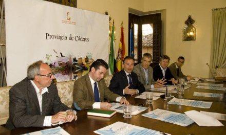 Pedrera defiende la región como sede de deportes acuáticos como el campeonato de Vela Vaurien