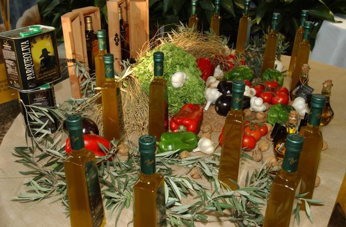 La cosecha extremeña de aceite de oliva alcanza las 54.628 toneladas entre las 117 almazaras de la región