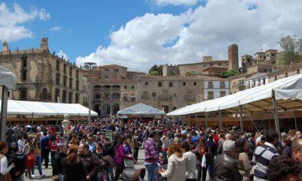 Más de 120.000 personas han visitado la XXV Feria del Queso de Trujillo durante el puente de Mayo