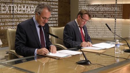 La Uex firma un convenio con Fomento para elaborar el mapa climático de Extremadura