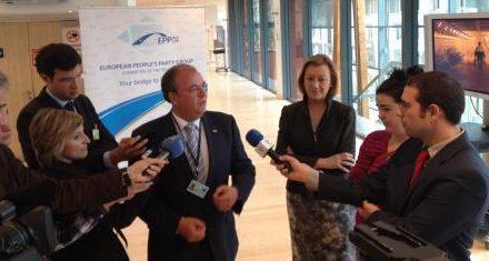 El presidente extremeño, José Antonio Monago, reivindica el Eje 16 en Bruselas