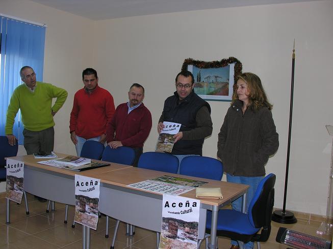 El Ayuntamiento de Pescueza presenta la nueva revista local cultural con el nombre Aceña