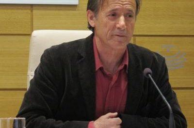 """IU tacha de """"injerencia inadmisible"""" las declaraciones de Trias sobre el AVE extremeño"""