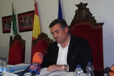 El pleno de Coria revoca el nombramiento de Valle y Agüí como representantes en las cajas de ahorros