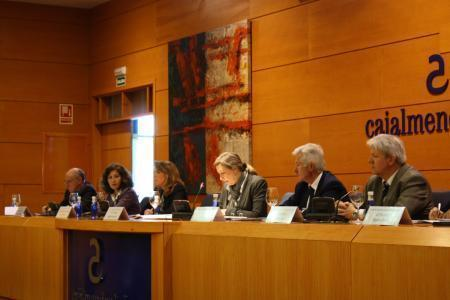 La consejera de Educación y Cultura invita a los directores de los centros a implicarse en el debate educativo