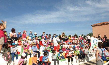 Más de 200 alumnos del colegio Joaquín Ballesteros de Moraleja participan en la I Peque-Olimpiada
