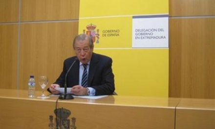 El delegado del Gobierno, Alejandro Ramírez, dimite por incompatibilidad al ser titular de una farmacia