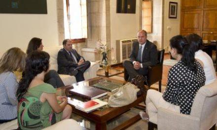 Monago aborda la situación de la economía regional con el presidente de la Asociación de Trabajadores Autónomos