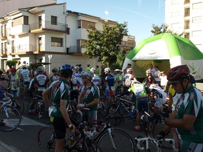 La marcha cicloturista Sierra de Gata pone el punto y final al mes de la bicicleta en Moraleja