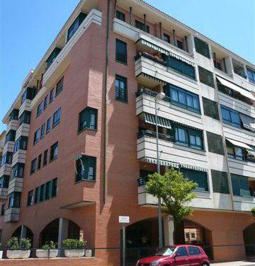La Junta de Extremadura abre el plazo para solicitar la renta básica de emancipación para jóvenes en alquiler