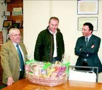 La Caixa de Montijo entrega 85 cestas de Navidad para las familias más necesitadas del municipio