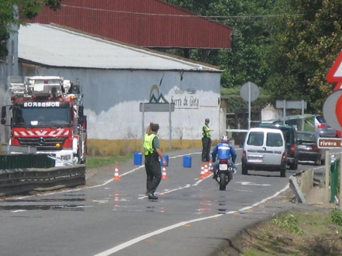 Perros de la Guardia Civil localizan restos que podrían ser del desaparecido en el accidente de Moraleja