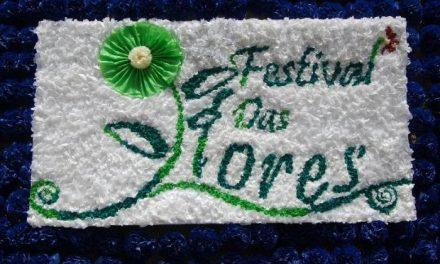 Cientos de personas participan en el Festival de las Flores que este fin de semana acoge Portugal