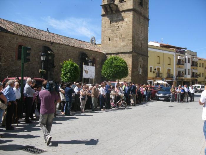 Los ayuntamientos de Extremadura se solidarizan con las víctimas de Moraleja con un minuto de silencio