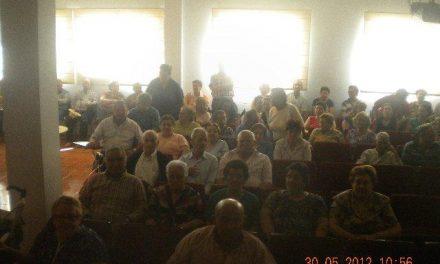 Los vecinos de Villanueva de la Sierra protestan por la reducción de horarios del consultorio médico