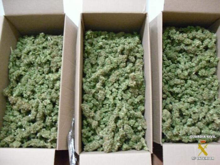 La Guardia Civil detiene en Zafra a dos jóvenes con más de cuatro kilogramos de marihuana
