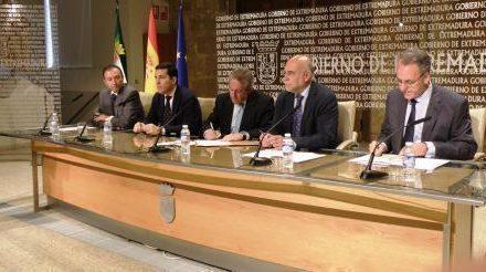 El Gobierno extremeño y la UEx firman un convenio para construir el Centro Hispano-luso de Alerta Temprana