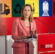 La ministra de Fomento asegura que los corredores Mediterráneo, Central y Atlántico son compatibles