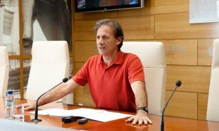 """El coordinador de Izquierda Unida Extremadura, Pedro Escobar, considera el rescate a España """"un secuestro"""""""