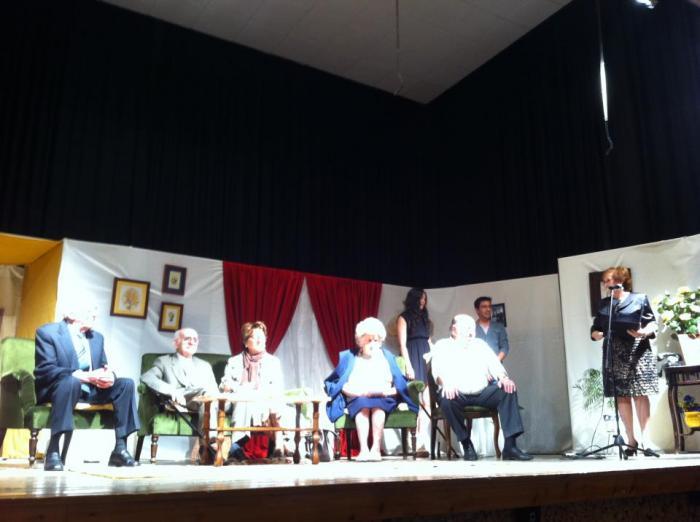 Valencia de Alcántara rinde homenaje al director local  Manuel Correa con una muestra teatral