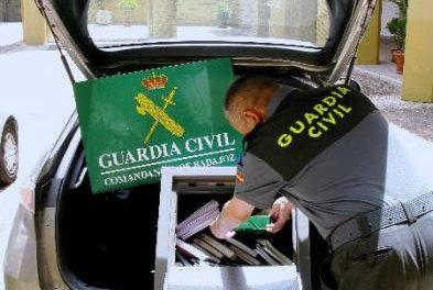 La Guardia Civil desmantela en Badajoz un grupo de ladrones que robaba en gasolineras, bancos y bares