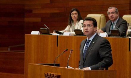 Manzano es partidario de la reducción del número de diputados a través de un acuerdo de las autonomías