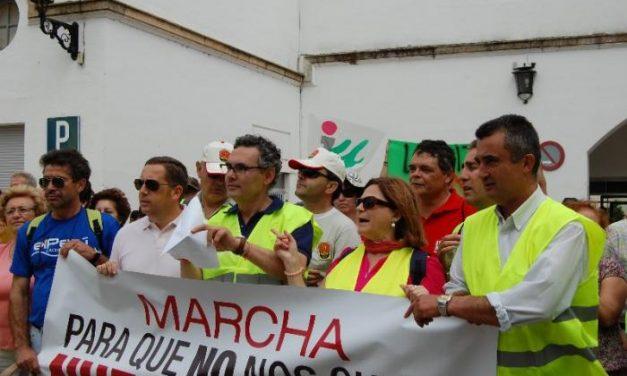 Sierra de San Pedro se moviliza en defensa del tren y la venta de billetes se amplía hasta finales de verano