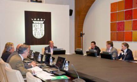 Extremadura es de las regiones más transparentes en cuanto a las retribuciones de sus cargos, según la Junta