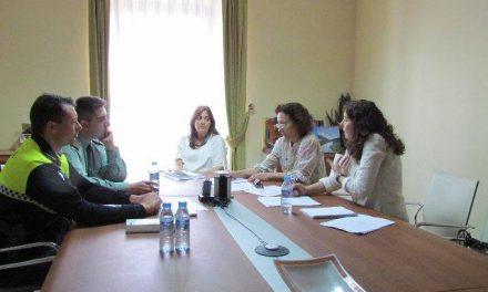 Sierra de San Pedro se compromete a intensificar la coordinación en la lucha contra la violencia de género
