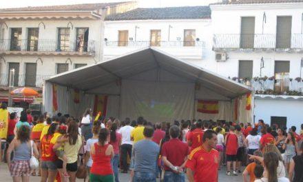 Extremadura se vuelca con la selección española y cientos de aficionados celebran el título en las calles