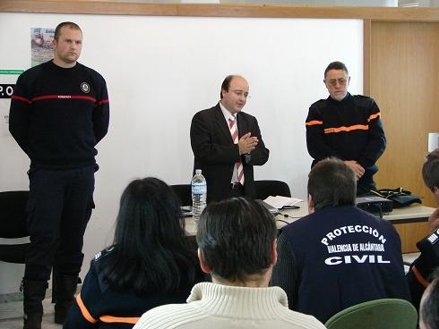 Valencia de Alcántara forma a unos 40 voluntarios de protección civil a prevenir situaciones de riesgo