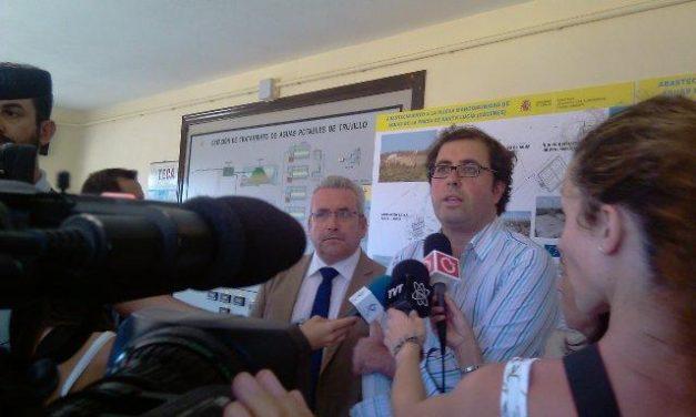 El director general de Acuasur y el alcalde de Trujillo visitan las obras de ampliación de la ETAP