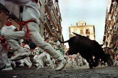 Un joven aficionado de Coria resulta herido de carácter leve en el tercer encierro de San Fermín en Pamplona