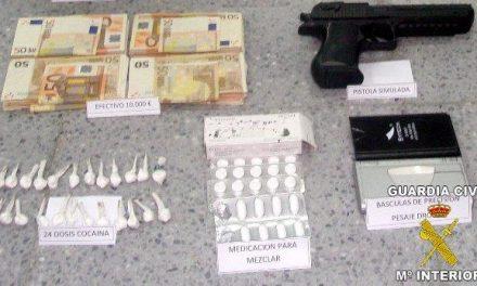 La Guardia Civil detiene a una persona y desmantela el punto donde presuntamente traficaba con la droga