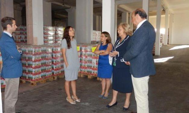El delegado del Gobierno solicita donaciones y trabajo voluntario para el Banco de Alimentos de Badajoz