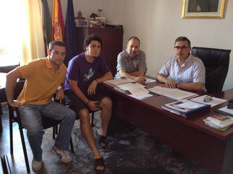 Ayuntamiento y jóvenes acercan posturas para  solucionar  la problemática del botellón en Valencia