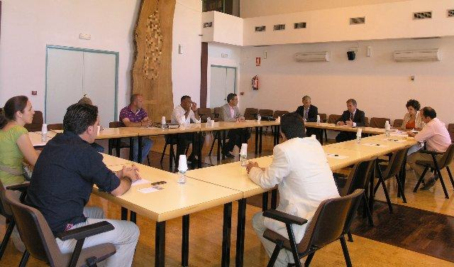 Empresarios extremeños constituyen en Mérida la Asociación Nacional de Productores de Carbón