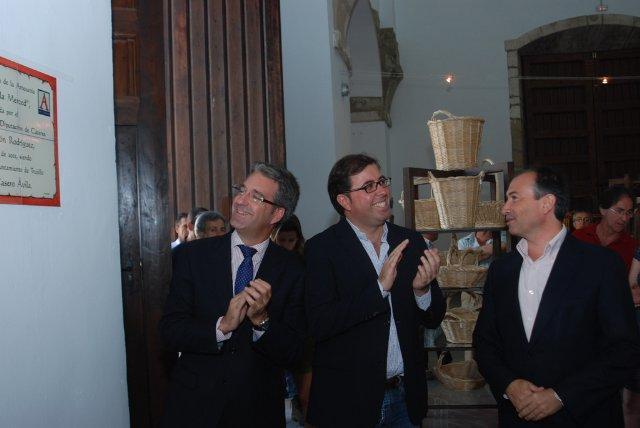 La nueva Sala de Promoción de la Artesanía de la Diputación de Cáceres abre sus puertas en Trujillo