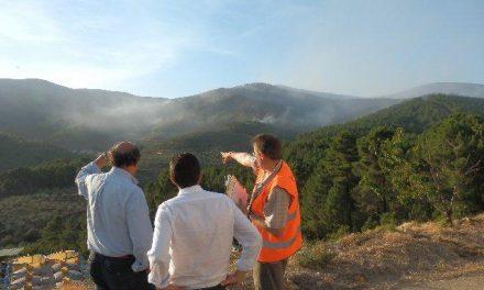 Los vecinos de la alquería de Cambrón podrían volver hoy a sus casas si el incendio sigue bajo control