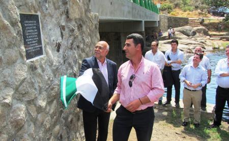 El consejero de Agricultura inaugura el nuevo puente de Cadalso con una inversión de más de 147.000 euros