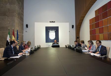 Extremadura destinará 43,6 millones al fomento del empleo y a la contratación de 5.800 desempleados