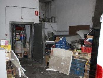La Policía Nacional detiene a tres individuos que intentaban robar en una nave industrial de Plasencia