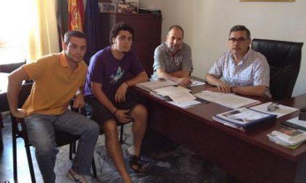El Ayuntamiento de Valencia de Alcántara cede la plaza de los toros a los jóvenes para que celebren el botellón