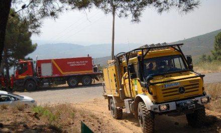 Efectivos del INFOEX siguen trabajando en la extinción del incendio declarado en la noche del viernes en Gata