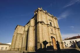 Zarza la Mayor publica un libro con una recopilación de los pregones de las Ferias de San Bartolomé