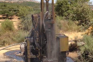 Comienzan los trabajos para garantizar el suministro de agua en una pedanía de Valencia de Alcántara