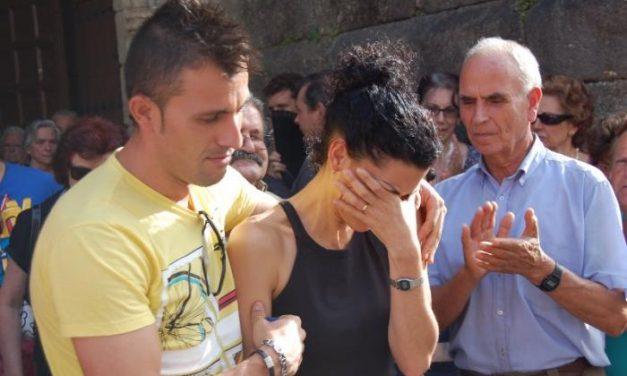 Cientos de personas rinden homenaje al militar fallecido en el incendio de Gata en una emotiva misa funeral